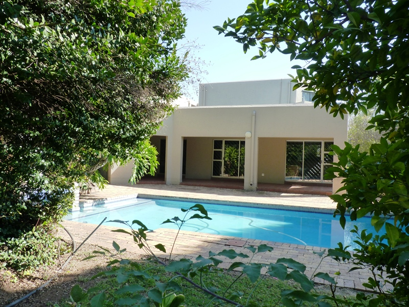 Bryanston property to rent. Ref No: 13400144. Picture no 1