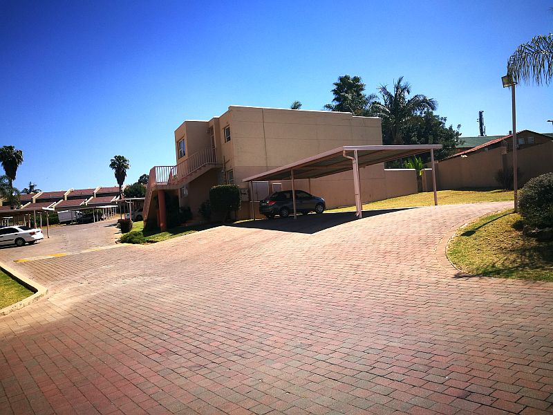 Roodepoort, Weltevredenpark Property  | Houses To Rent Weltevredenpark, Weltevredenpark, Townhouse 3 bedrooms property to rent Price:,  7,00*