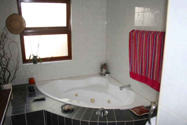 Morningside property to rent. Ref No: 13396295. Picture no 12