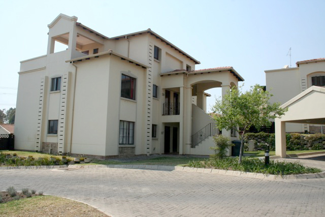 Paulshof property to rent. Ref No: 13396288. Picture no 14