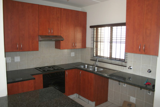 Paulshof property to rent. Ref No: 13396288. Picture no 6
