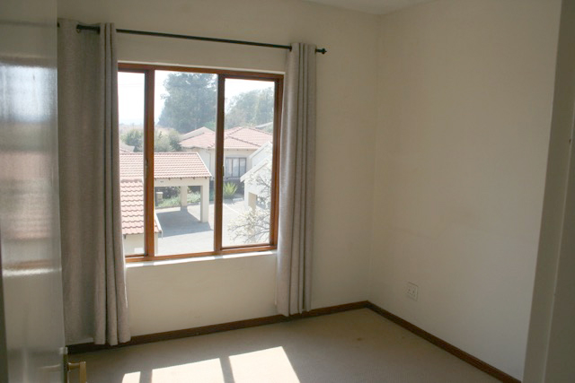 Paulshof property to rent. Ref No: 13396288. Picture no 9