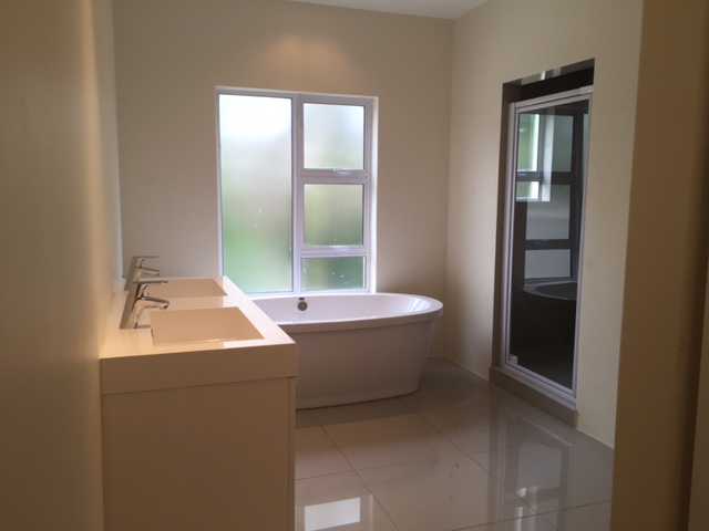 Dainfern Golf Estate property to rent. Ref No: 13393910. Picture no 11