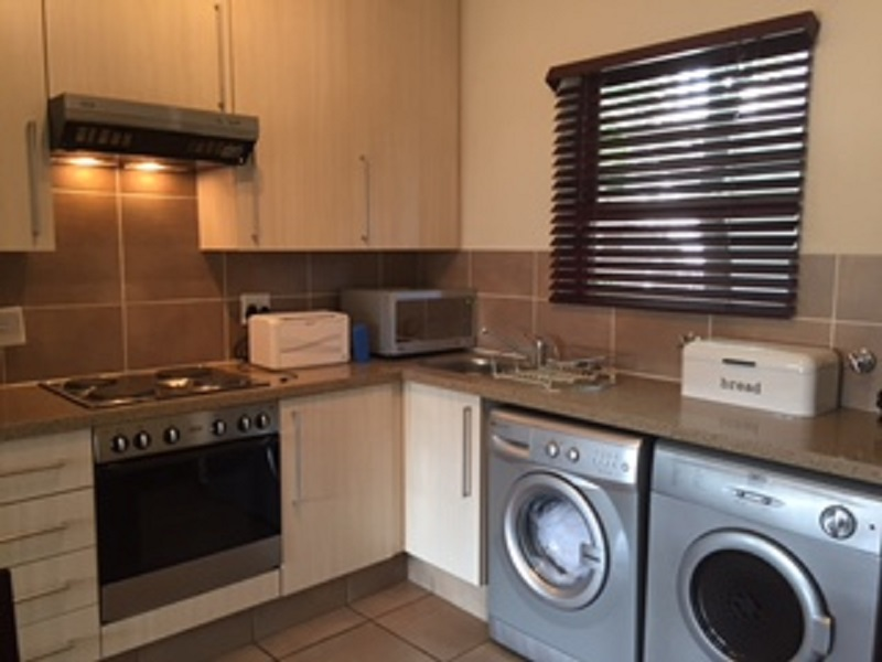Broadacres property to rent. Ref No: 13397104. Picture no 5