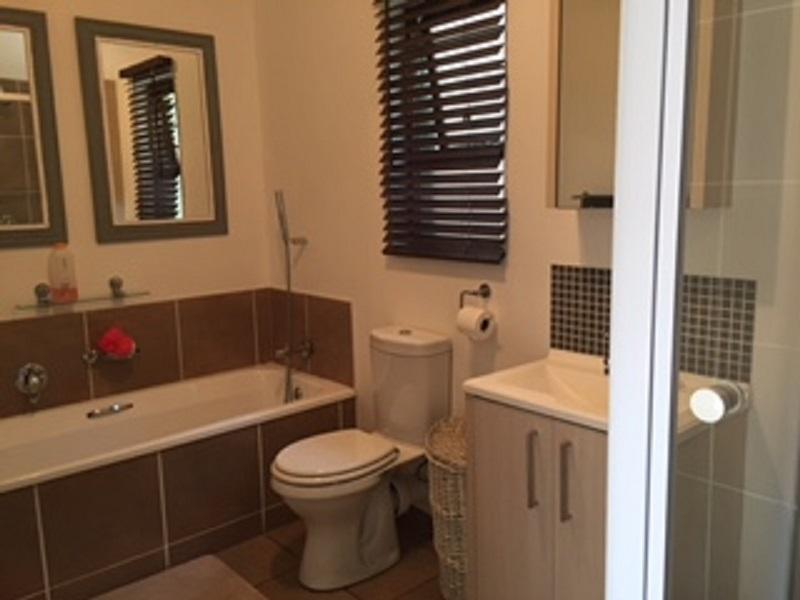 Broadacres property to rent. Ref No: 13397104. Picture no 6