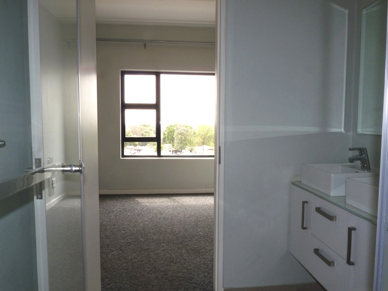 North Riding property to rent. Ref No: 13402210. Picture no 5