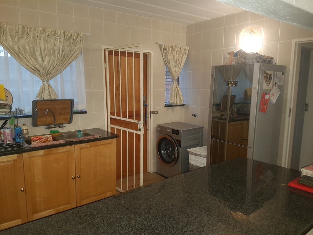 Weltevredenpark property to rent. Ref No: 13397595. Picture no 5
