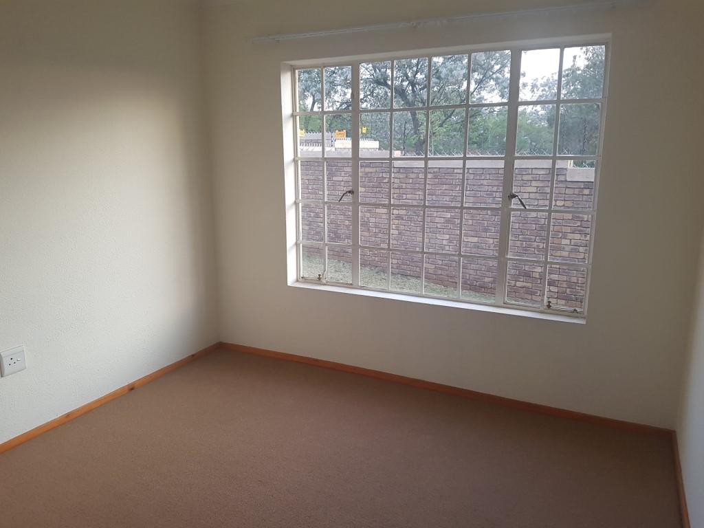 Honeydew property to rent. Ref No: 13400781. Picture no 14