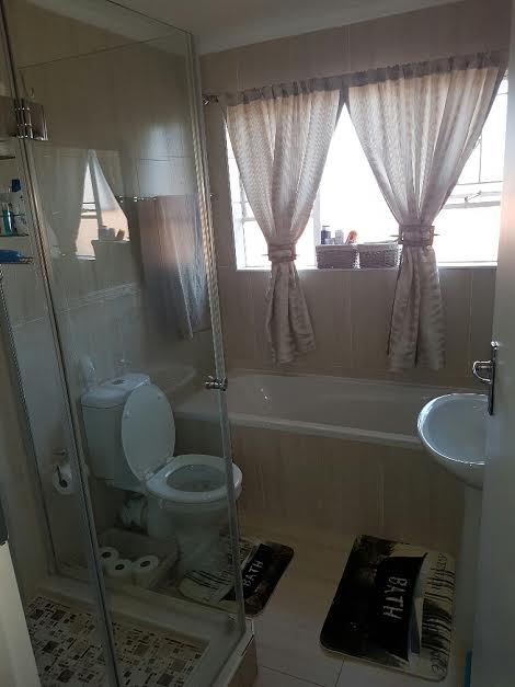 Northcliff property to rent. Ref No: 13391241. Picture no 7