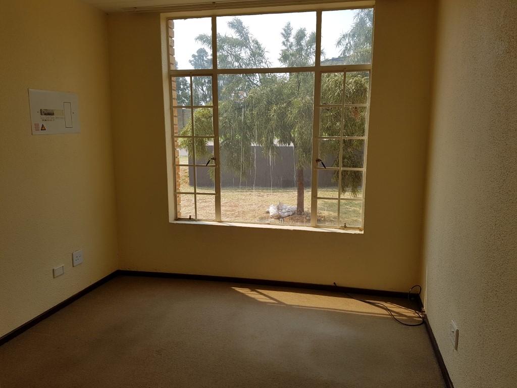 Honeydew property to rent. Ref No: 13397594. Picture no 14