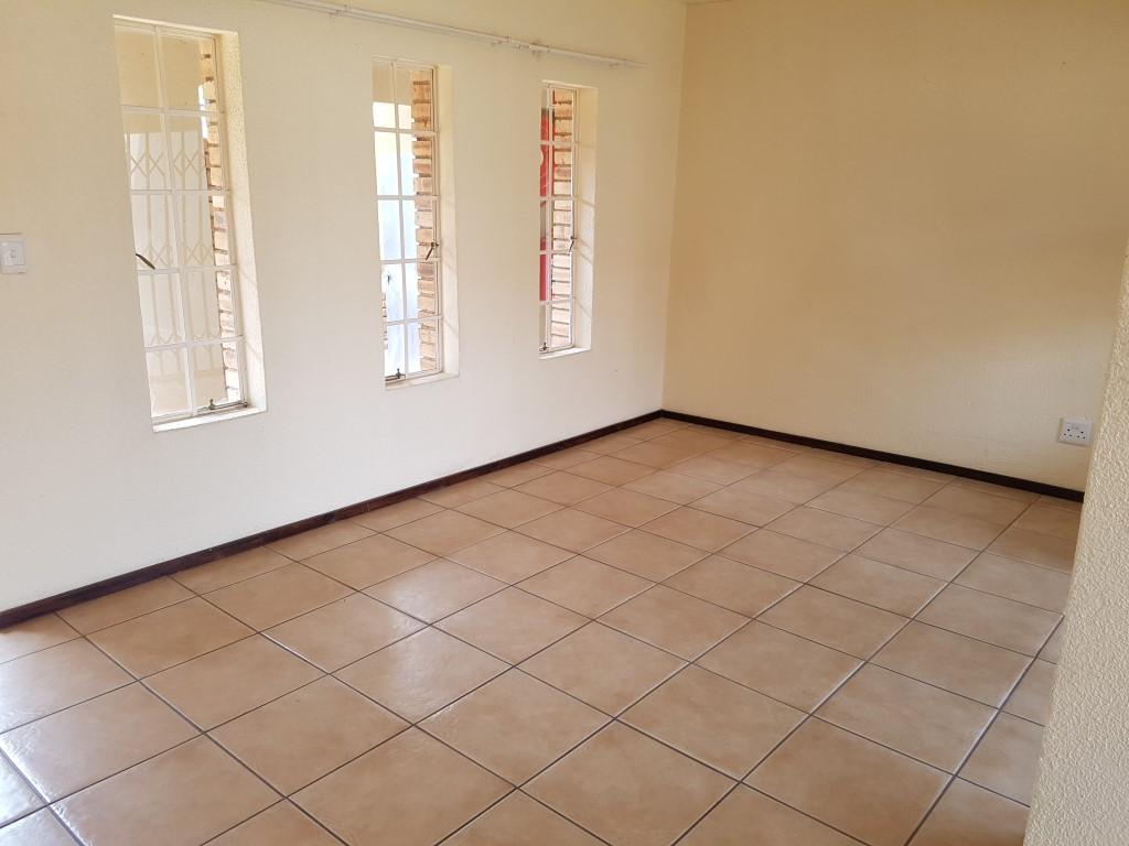 Honeydew property to rent. Ref No: 13397594. Picture no 7