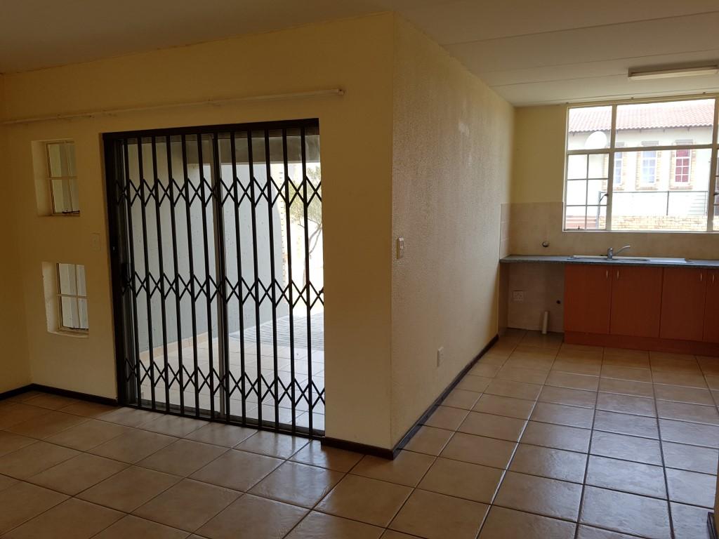 Honeydew property to rent. Ref No: 13397594. Picture no 6