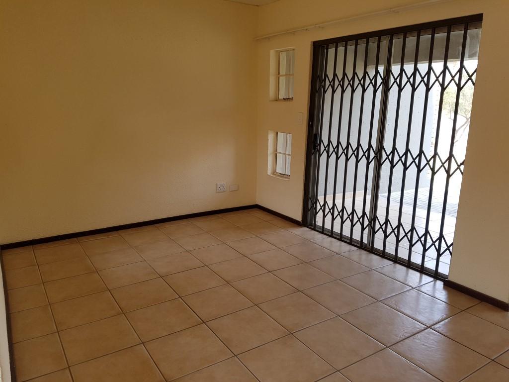 Honeydew property to rent. Ref No: 13397594. Picture no 5