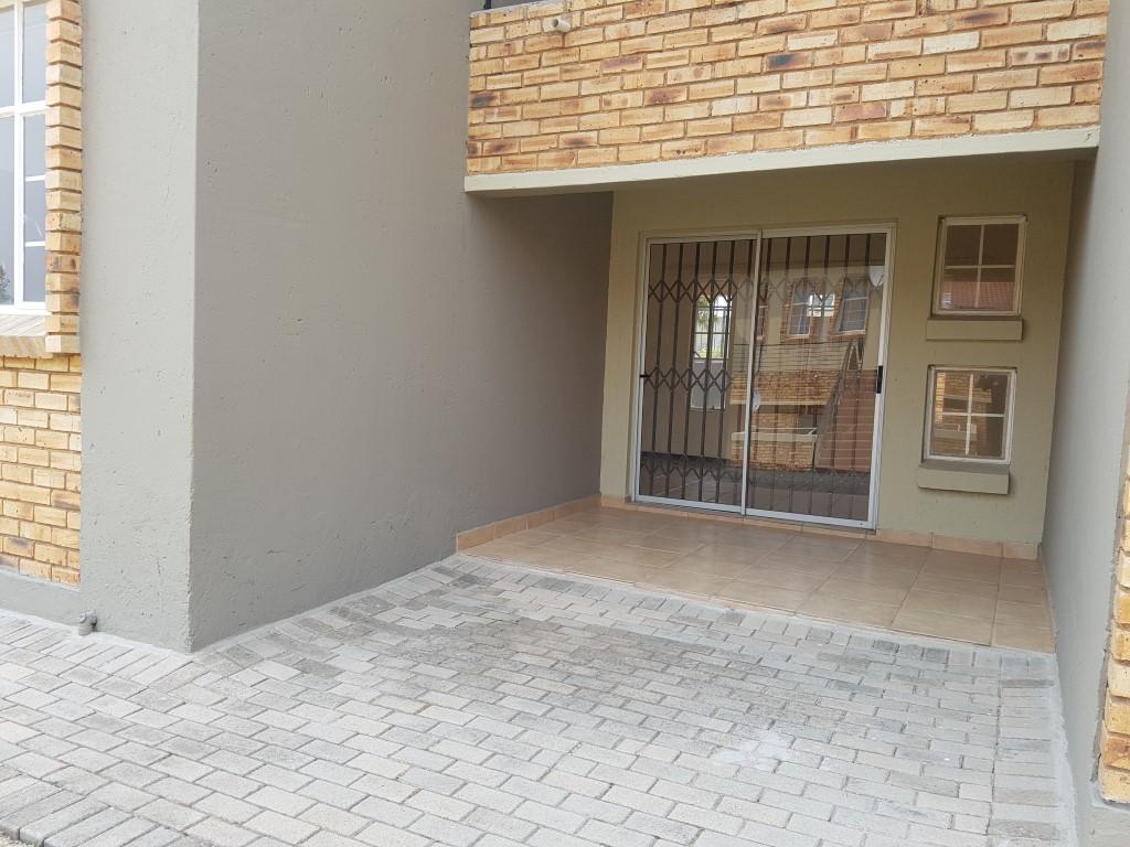 Honeydew property to rent. Ref No: 13397594. Picture no 4