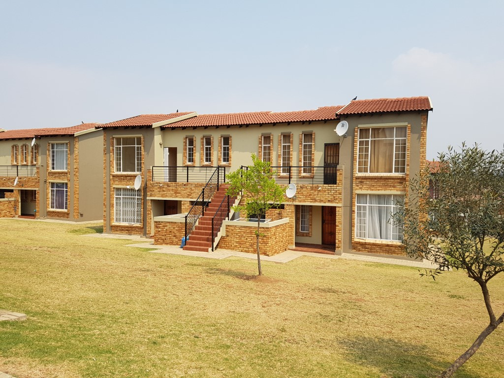 Roodepoort, Honeydew Property  | Houses To Rent Honeydew, Honeydew, Apartment 1 bedrooms property to rent Price:,  5,00*