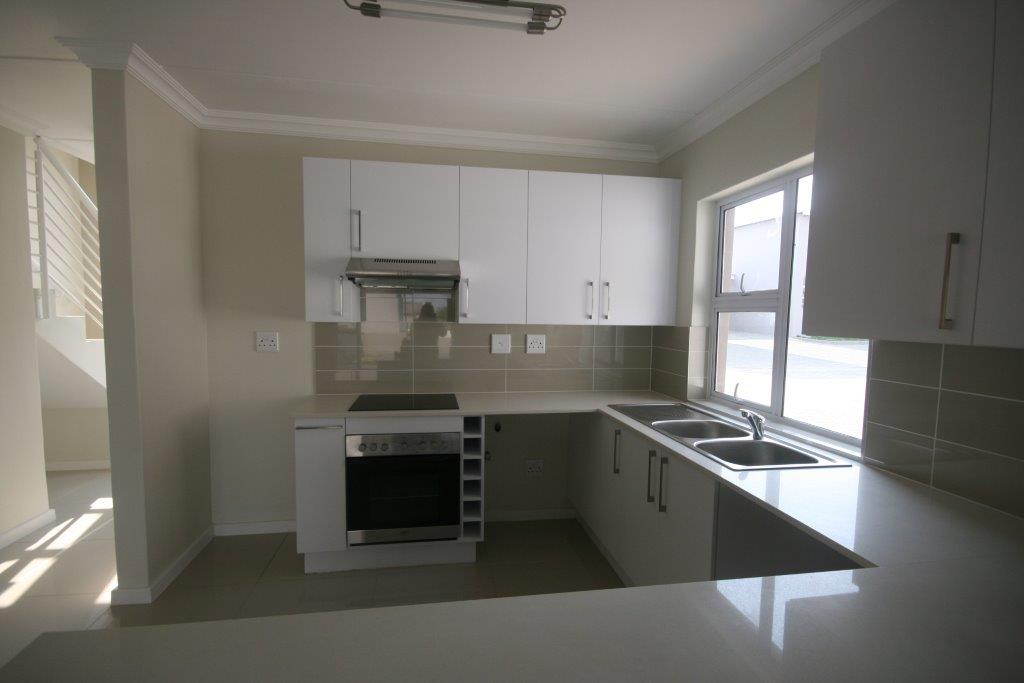 Eagle Canyon Golf Estate property to rent. Ref No: 13401006. Picture no 18
