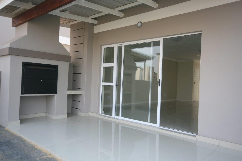 Eagle Canyon Golf Estate property to rent. Ref No: 13401006. Picture no 8