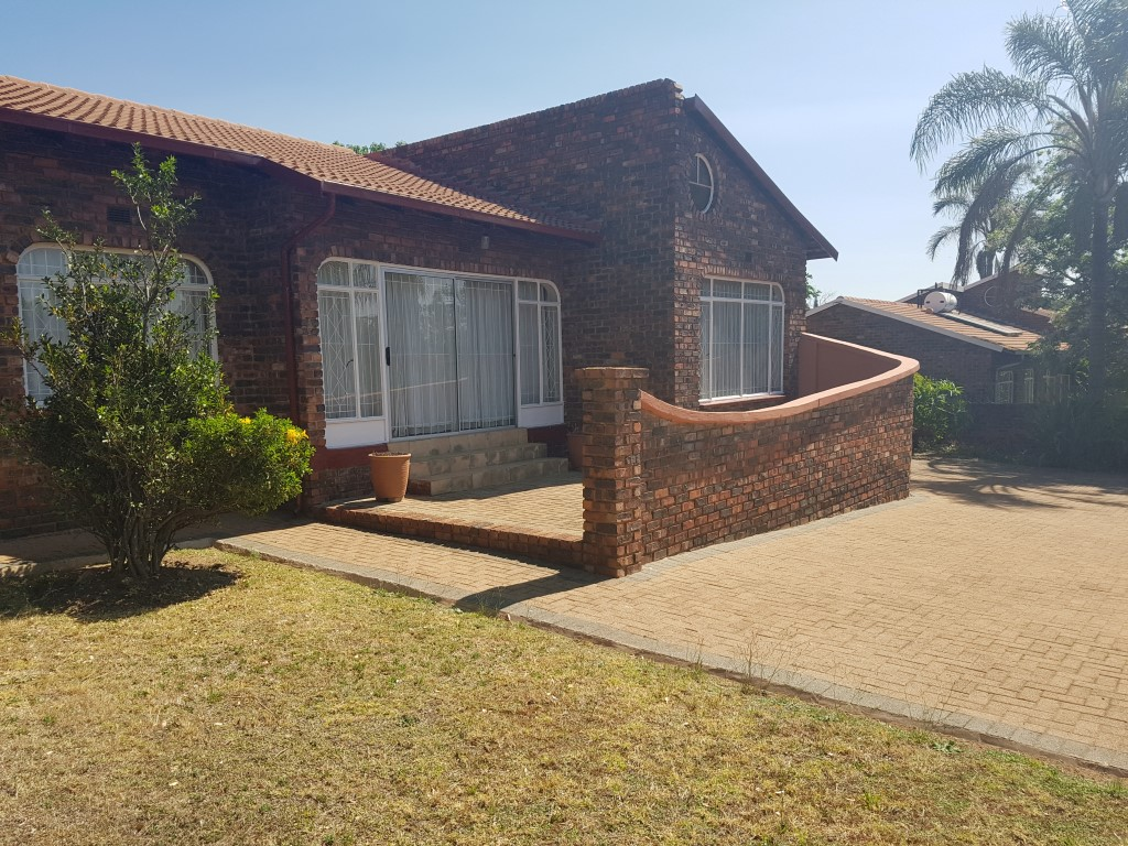 Randburg, Randpark Property  | Houses To Rent Randpark, RANDPARK, House 3 bedrooms property to rent Price:, 15,00*