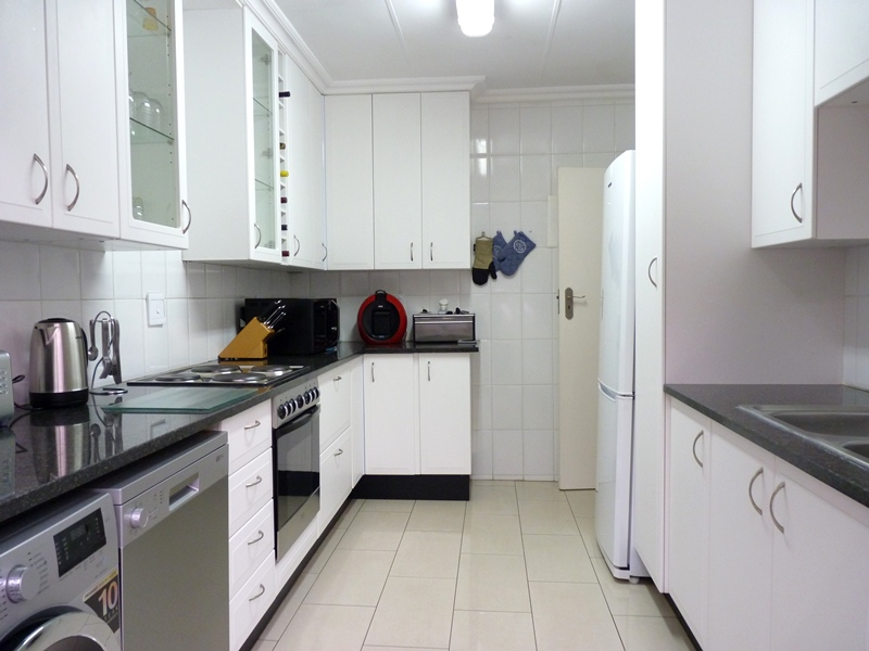 Fourways property to rent. Ref No: 13400976. Picture no 7