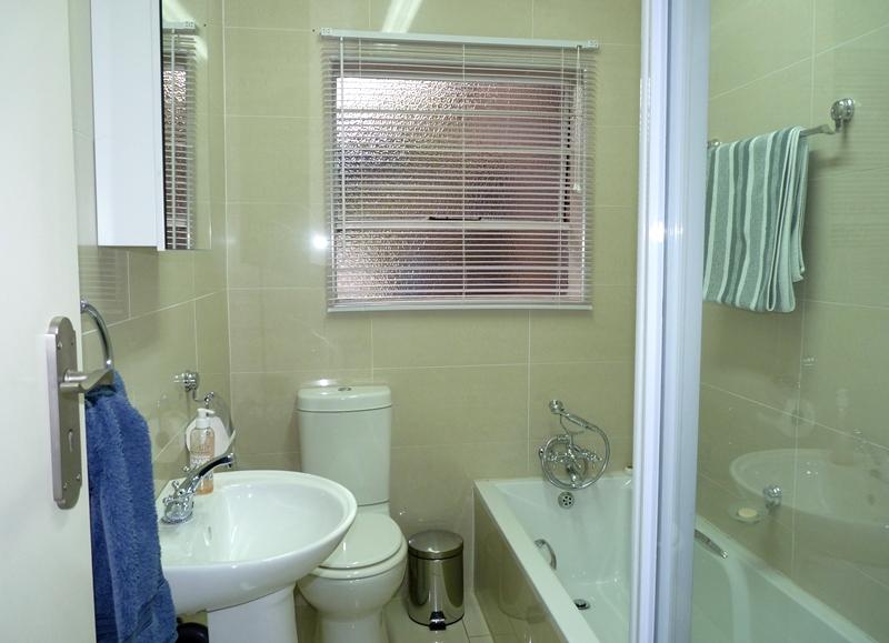Fourways property to rent. Ref No: 13400976. Picture no 13
