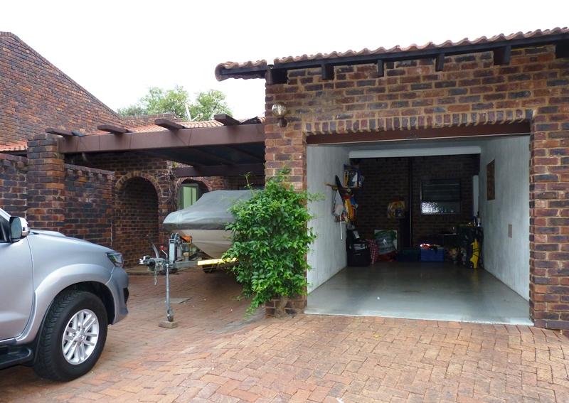 Fourways property to rent. Ref No: 13400976. Picture no 21