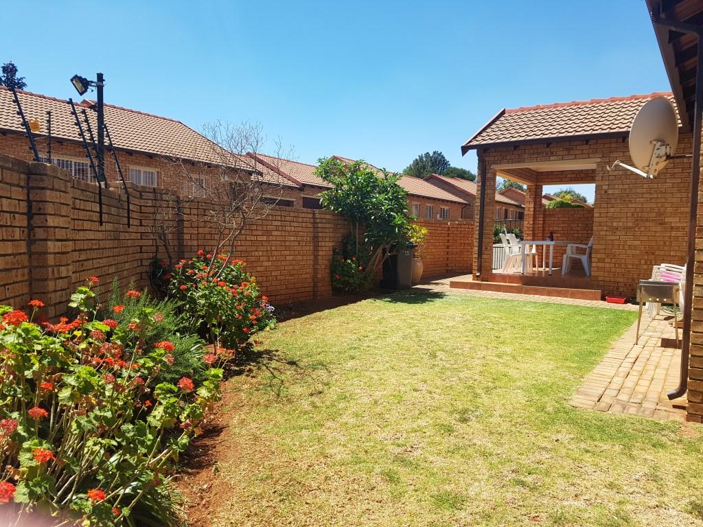 Weltevredenpark property to rent. Ref No: 13395101. Picture no 4