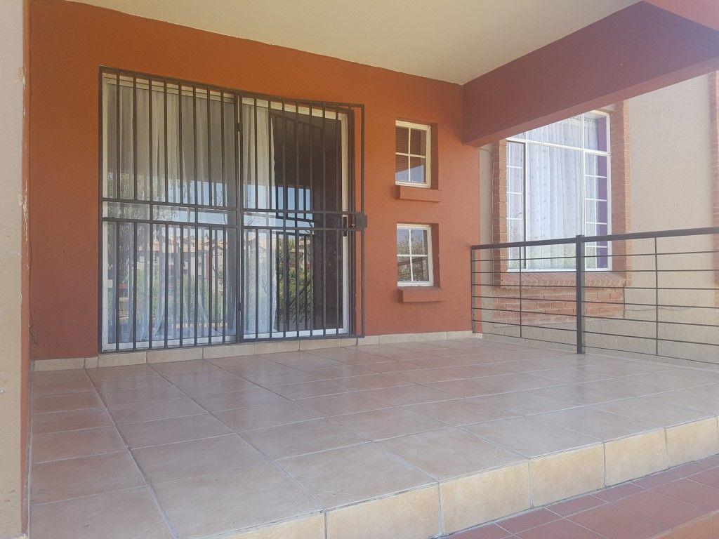 Roodepoort, Honeydew Property  | Houses To Rent Honeydew, Honeydew, Apartment 3 bedrooms property to rent Price:,  7,50*