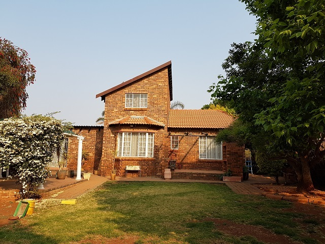Roodepoort, Weltevredenpark Property  | Houses To Rent Weltevredenpark, Weltevredenpark, Duplex 3 bedrooms property to rent Price:, 11,00*