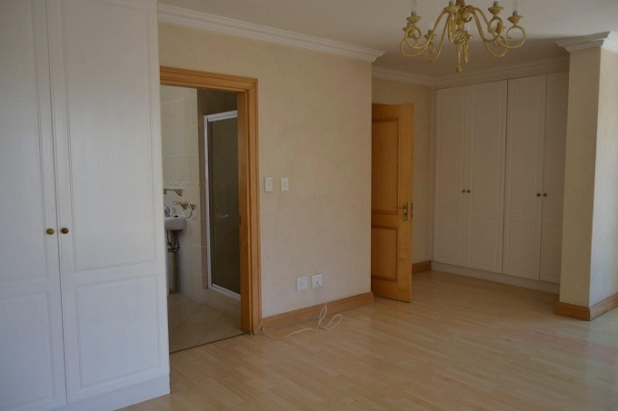 Dainfern Golf Estate property to rent. Ref No: 13395763. Picture no 19
