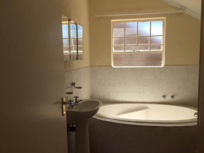 Broadacres property to rent. Ref No: 13395771. Picture no 12
