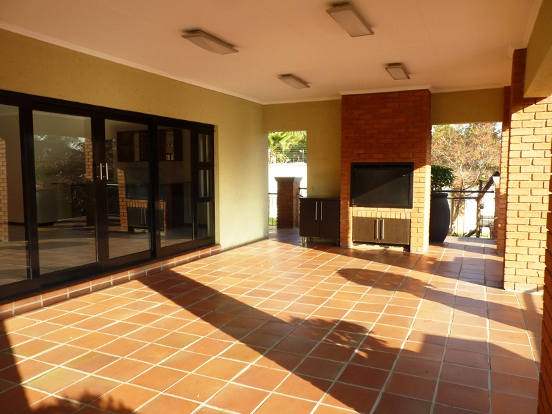 Douglasdale property to rent. Ref No: 13397584. Picture no 3