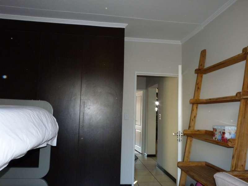 Douglasdale property to rent. Ref No: 13397584. Picture no 21