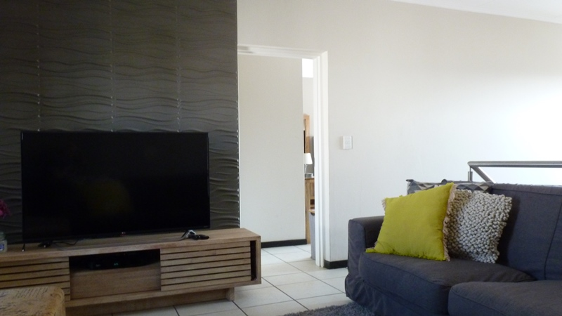 Douglasdale property to rent. Ref No: 13397584. Picture no 24