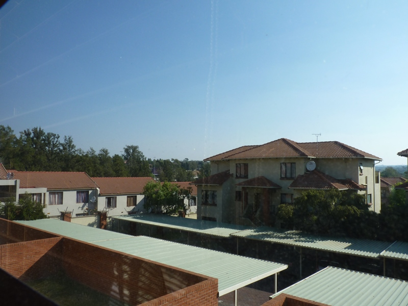 Douglasdale property to rent. Ref No: 13397584. Picture no 33
