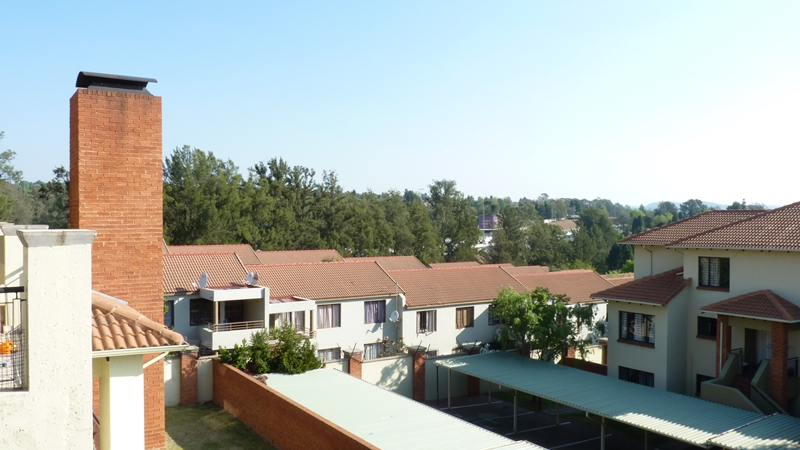 Douglasdale property to rent. Ref No: 13397584. Picture no 35