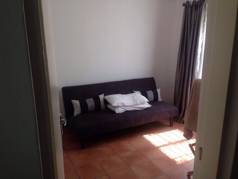 Beverley Gardens property to rent. Ref No: 13397492. Picture no 11