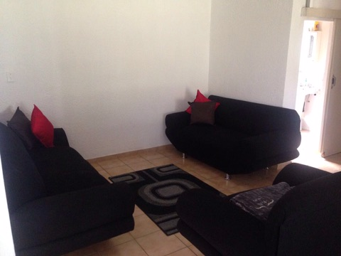 Beverley Gardens property to rent. Ref No: 13397492. Picture no 6