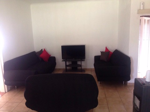 Beverley Gardens property to rent. Ref No: 13397492. Picture no 7