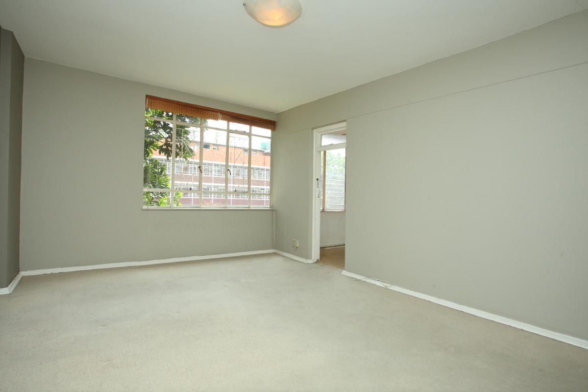 Illovo property to rent. Ref No: 13397977. Picture no 7