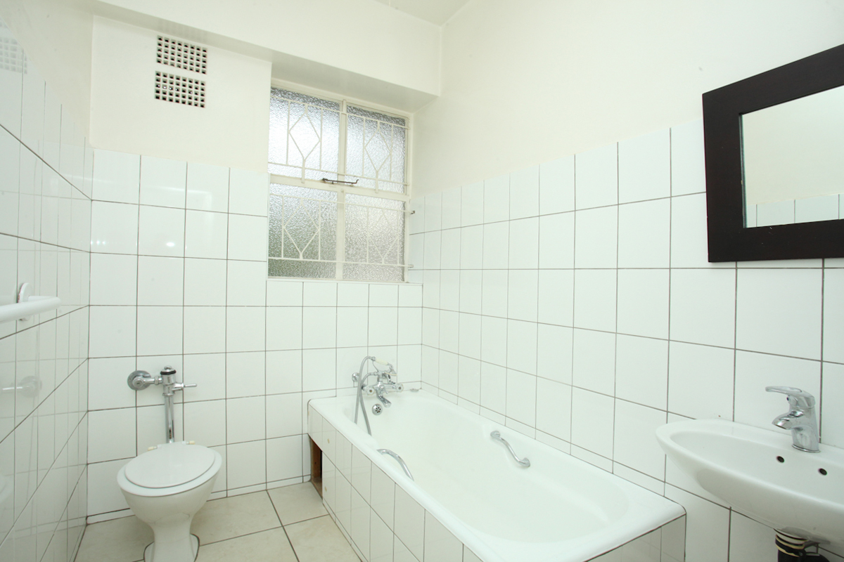 Illovo property to rent. Ref No: 13397977. Picture no 9