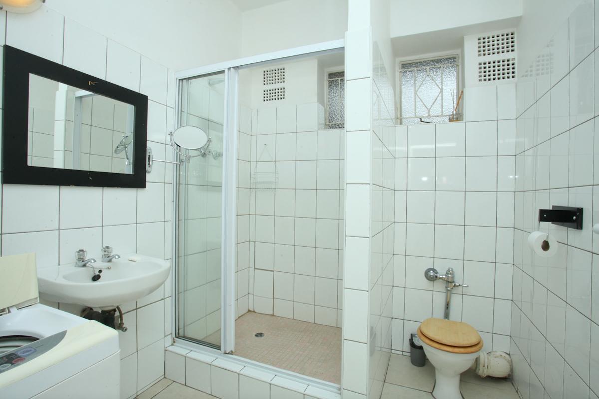 Illovo property to rent. Ref No: 13397977. Picture no 10