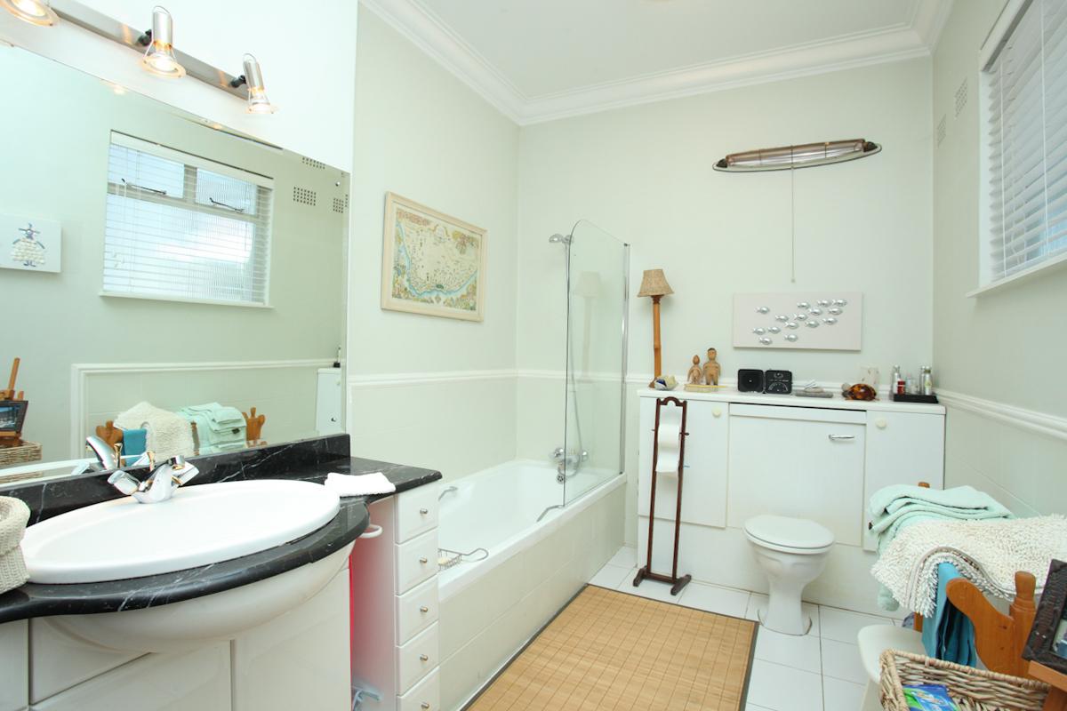 Sandown property to rent. Ref No: 13398222. Picture no 8