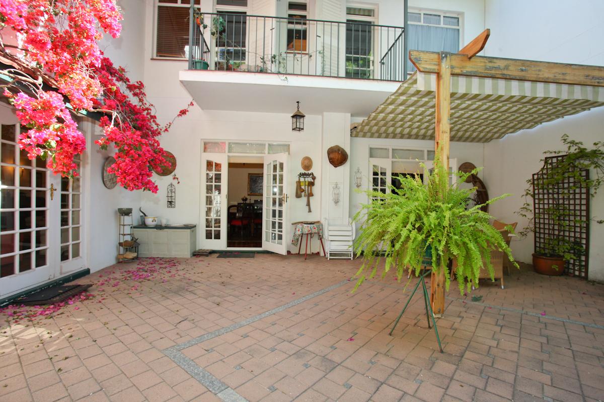 Sandown property to rent. Ref No: 13398222. Picture no 16