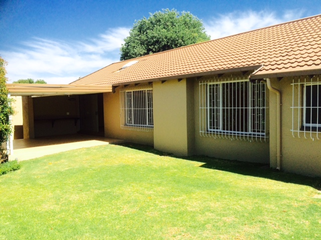 Sundowner property to rent. Ref No: 13401622. Picture no 1