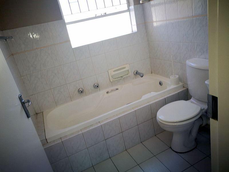 Weltevredenpark property to rent. Ref No: 13399946. Picture no 9