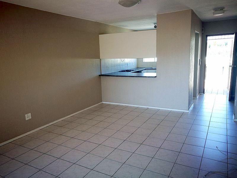Weltevredenpark property to rent. Ref No: 13399946. Picture no 3