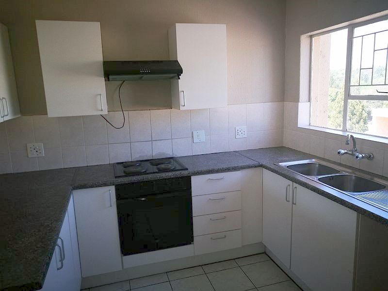 Weltevredenpark property to rent. Ref No: 13399946. Picture no 4