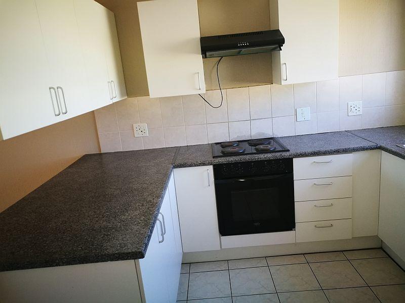 Weltevredenpark property to rent. Ref No: 13399946. Picture no 5