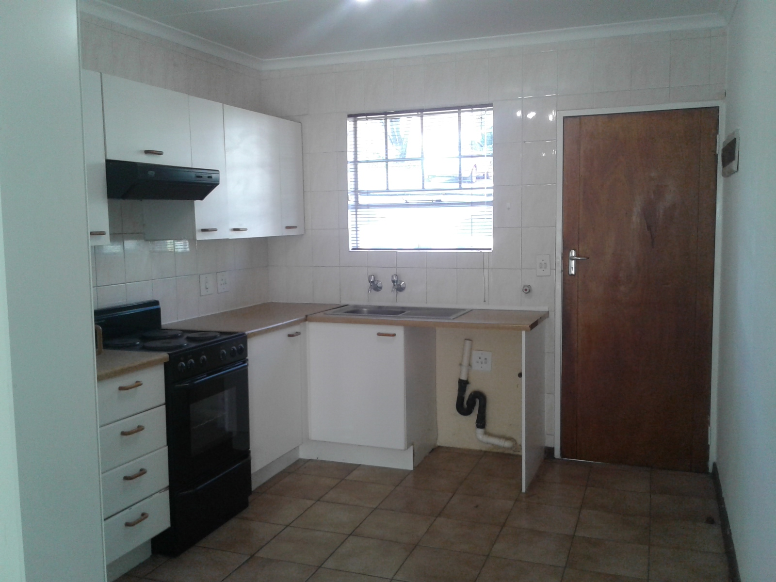 Carenvale property to rent. Ref No: 13401113. Picture no 3