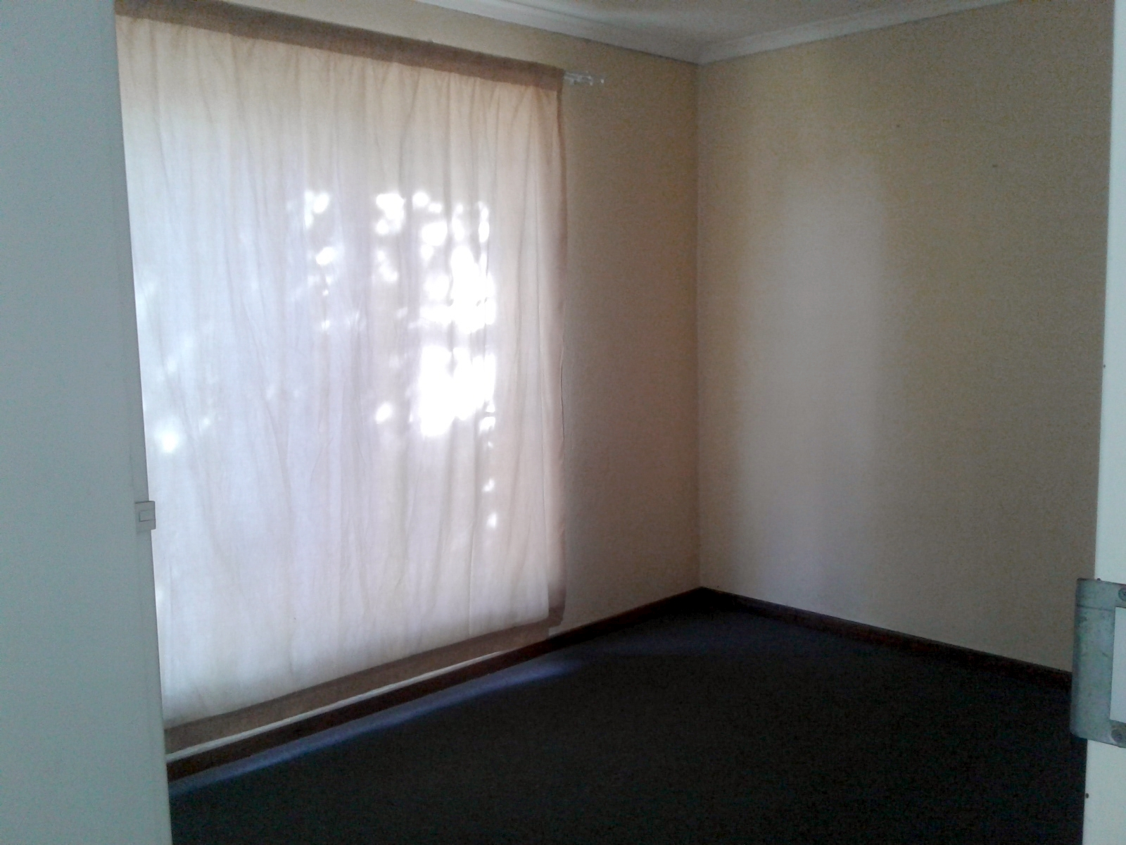 Carenvale property to rent. Ref No: 13401113. Picture no 7